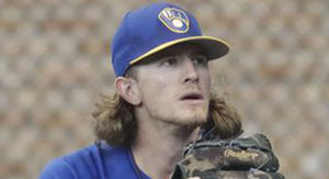 Milwaukee Brewers Fans Cheer Josh Hader After Racist, Homophobic Tweets
