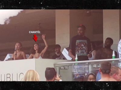 Kevin Durant & Kyrie Iriving Turn Up With Hot Chicks In Vegas