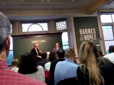 Sean Spicer Heckled During Book Tour in New York, Called 'Garbage Person'