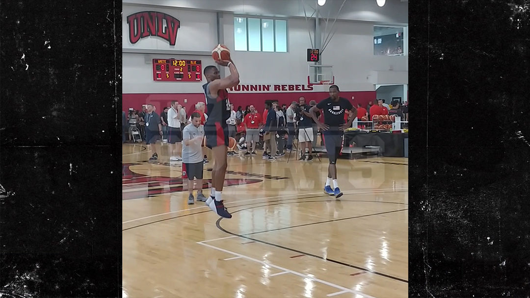 size 40 73e8a 52477 Russell Westbrook Shows Off His Thighs At Team USA Practice