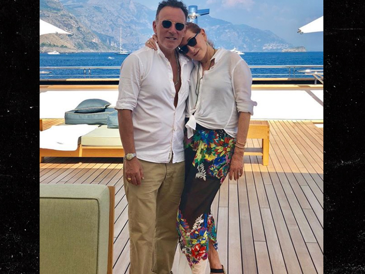 Here's Tom Hanks being the Captain, now -- but apparently, being the Boss carries more weight in the waters off Italy.