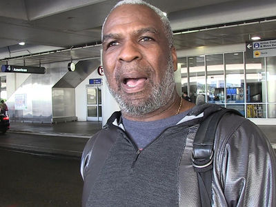 Charles Oakley Cheated 3 Times During Texas Hold'Em, Officials Say