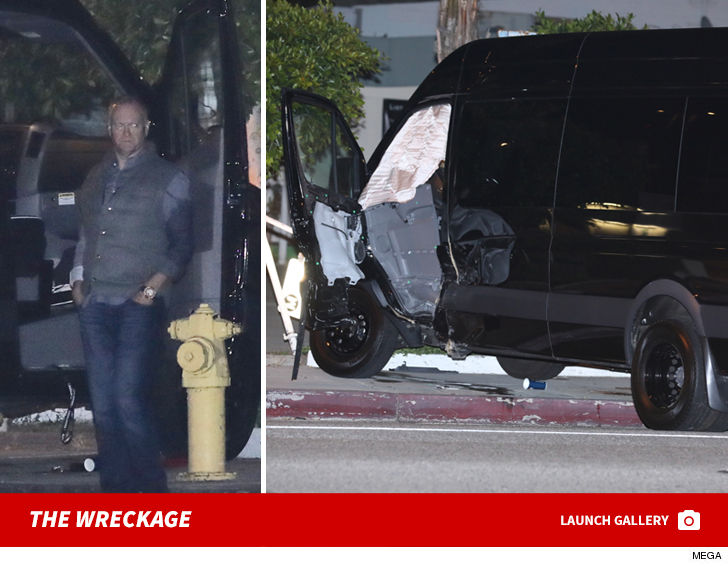 Jerry Jones Son Was A Penger In Head On Car Crash Malibu Late Wednesday Night After Fancy Dinner With His Famous Father And L Rams Owner Stan