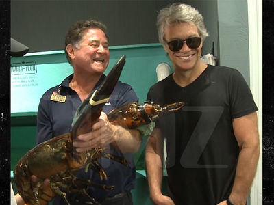 Jon Bon Jovi Meets Bon Jovi, a 19-Pound Lobster, at Long Island Store