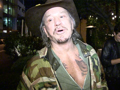 Mickey Rourke Supports NFL Kneelers, Hates 'Garbage Can' Trump