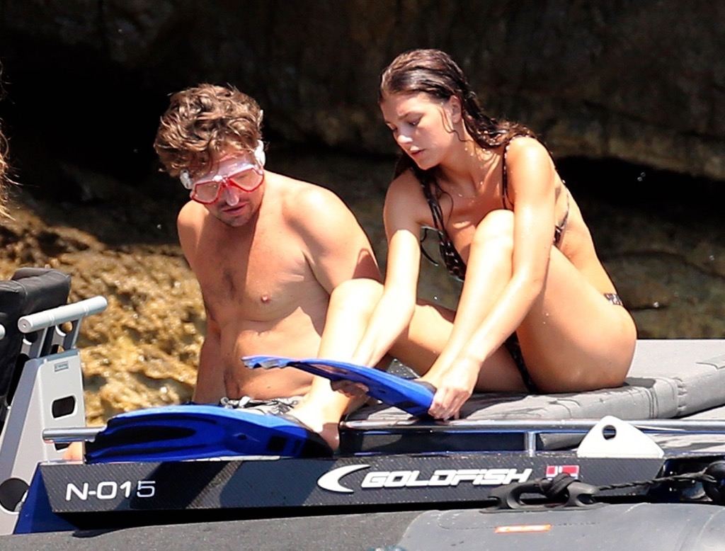 Trending On Google Images >> Leonardo DiCaprio and Girlfriend Camila Morrone Snorkeling In Italy on ZIG