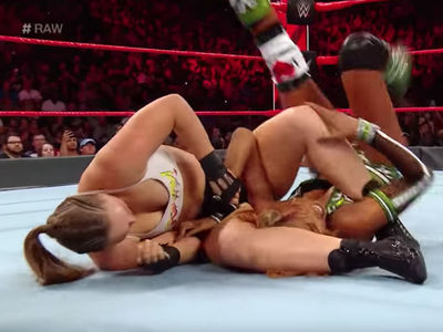 Ronda Rousey Makes Alicia Fox Tap After Nasty Armbar