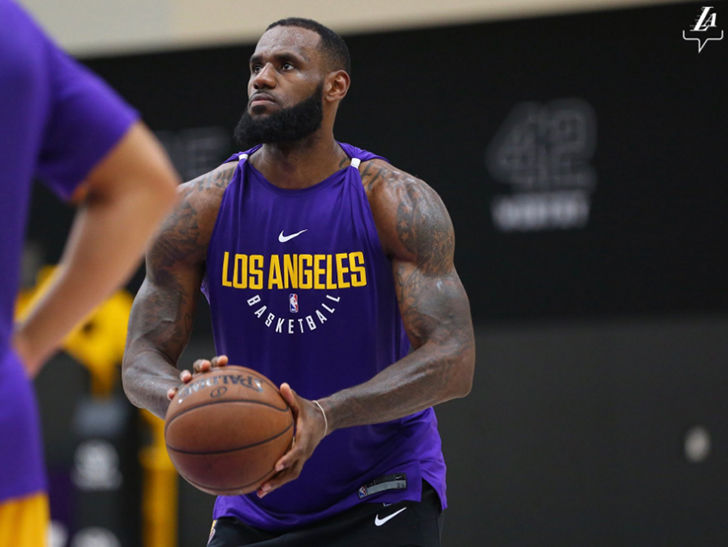 Lebron James 2018 Lakers: LeBron James Looks Freakin' Huge During Lakers Workout