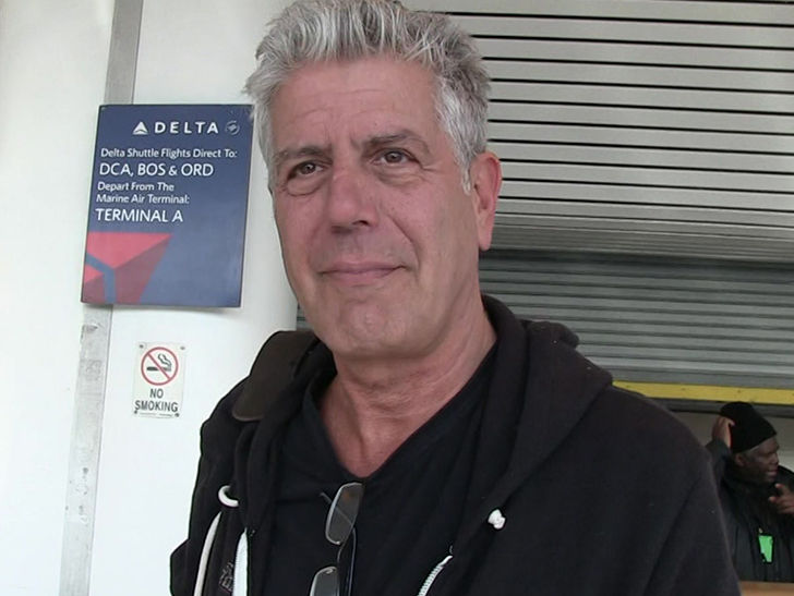 Anthony bourdain 39 s new york city condo for rent for Tmz tour new york city