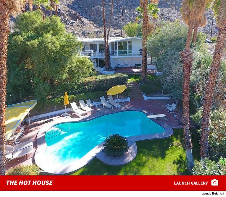 Howard Hughes' Palm Springs House Sells For $1.3 Million