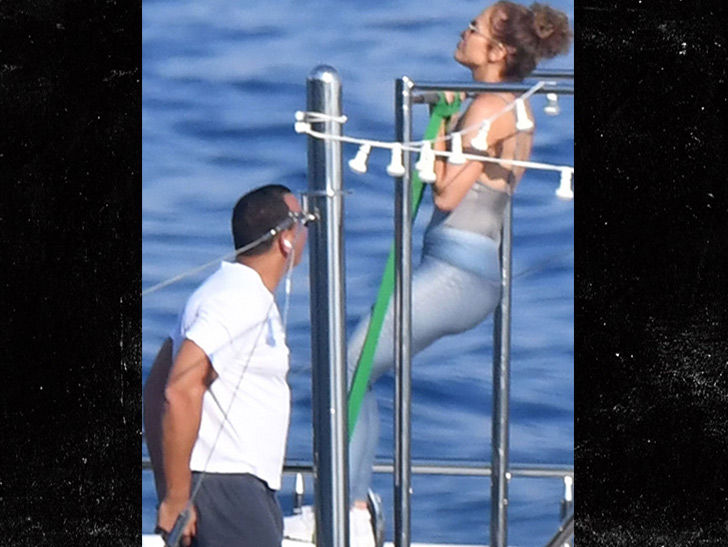 Jennifer Lopez and Alex Rodriguez Squeeze In Workout on Fancy Yacht