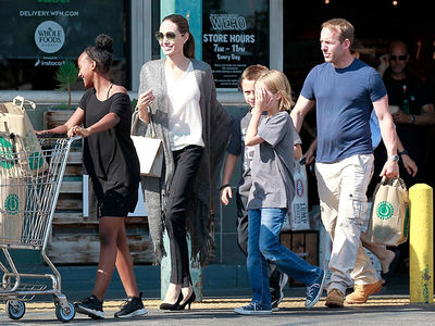 Angelina Jolie Returns to L.A. With Kids as Brad Gets Custody Time