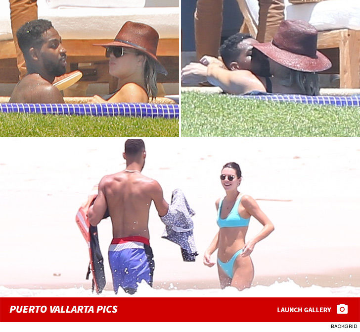 Khloe, Kendall, Tristan and Ben Hanging in Mexico for Vacation