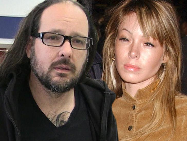 Deven Davis, Wife of Korn Lead Singer Jonathan Davis, Dead at 39