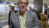Matt Groening Hands Out Signed Drawings at LAX, is Shocked by Real-Life Homer