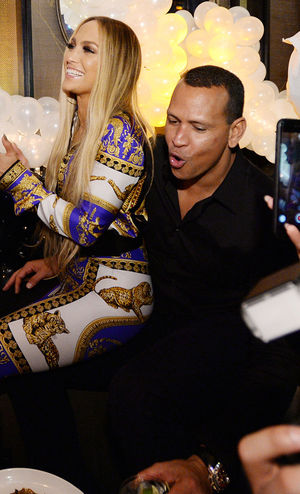 Jennifer Lopez -- VMAs After-Party Photos