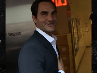 Roger Federer Hopes He'd Beat Serena In 1-on-1 Match