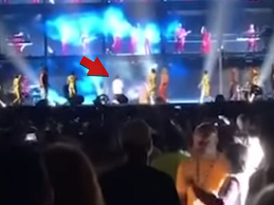 Fan Rushes Stage At Beyonce, Jay-Z Concert in Atlanta
