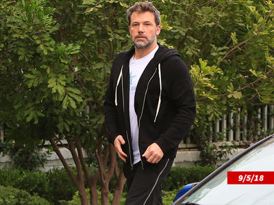Ben Affleck Takes Workout Break From Rehab