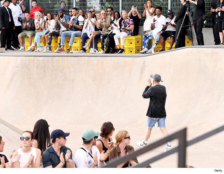 Justin Bieber & Hailey Baldwin Take Their Love to NYFW