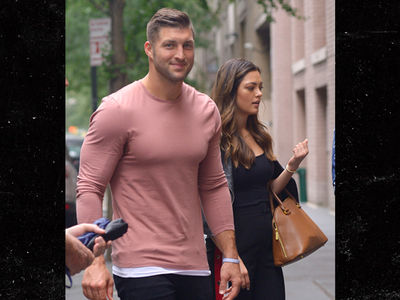 Tim Tebow in New York with Hottest Chick in the Universe
