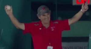 Fenway Park Usher Makes Ridiculously Casual One-Handed Catch During Red Sox-Blue Jays
