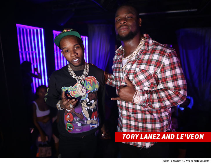 Le'Veon Bell Hosts Rap EP Release Party at Miami Nightclub