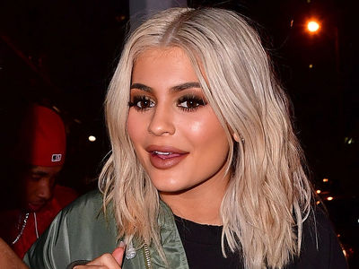 Kylie Jenner's Cereal Will Never Go Milk-Less Again Thanks to Almond Breeze