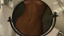 Guess The Kardashian Kurves ... See Who's Modeling In The Mirror!