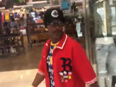 Katt Williams Hits the Mall in L.A. to Buy a Girlfriend