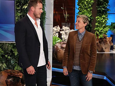 New 'Bachelor' Colton Underwood Meets His FIRST THREE Bachelorettes on 'Ellen'