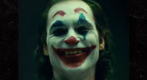 Joaquin Phoenix in Full Makeup, Meet the New Joker
