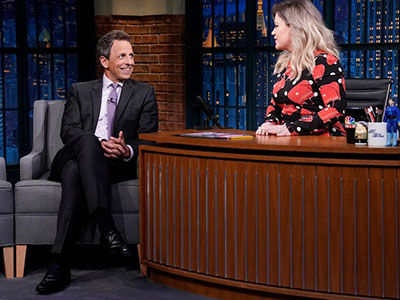Kelly Clarkson TAKES OVER 'Late Night,' Asks Seth Meyers the Tough Questions: 'Who Is Your Worst…