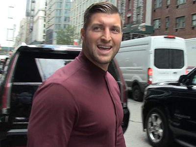 Tim Tebow Says Tom Brady 'Probably' Best NFL Player Ever