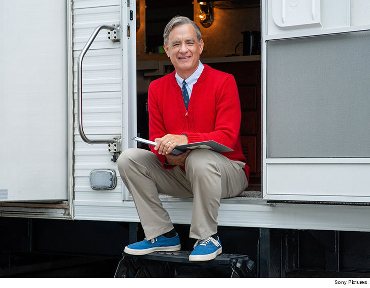 Tom Hanks transforms into Mister Rogers in first look of new film