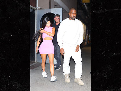 Kim Kardashian and Kanye Take Kids for Late Night Stroll on Eve of 'SNL' Appearance