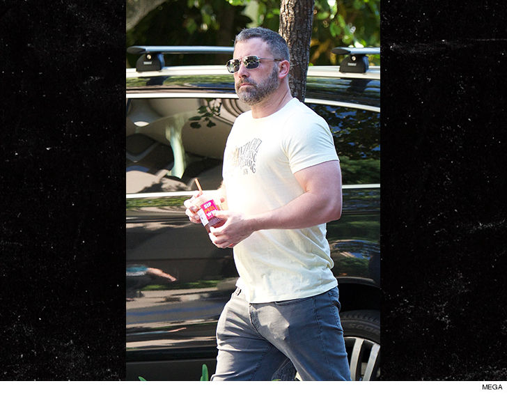 1001 ben affleck mega 7 - Ben Affleck Looks Super Buff During Rehab Stint