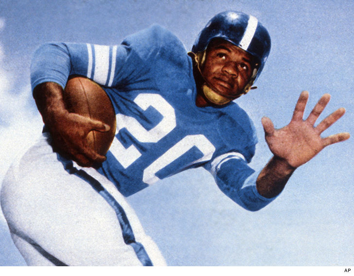 George Taliaferro dies; first African-American player drafted by NFL
