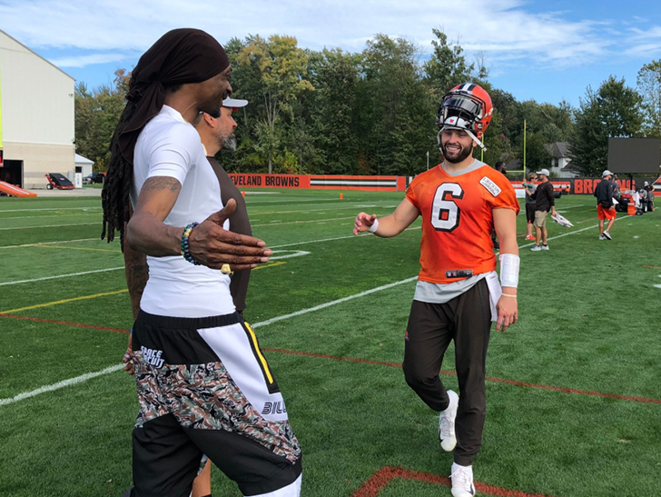 The Dawg Pound turned into the D.O. DOUBLE G. Pound on Wednesday ...  cause  Snoop Dogg was in attendance to watch Baker Mayfield and Co. at Cleveland  Browns ... d0d98f462