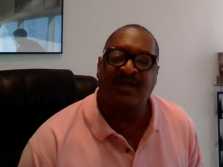 Mathew Knowles Surprises Beyonce and Tina After On the Run II Tour Concert