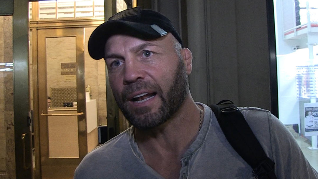 51bccd02738 Randy Couture Tells Daniel Cormier the Key to Beating Derrick Lewis ...