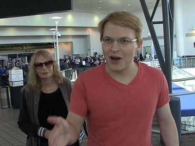 Ronan & Mia Farrow Slam Trump's Response to Slain Saudi Journalist Jamal Khashoggi