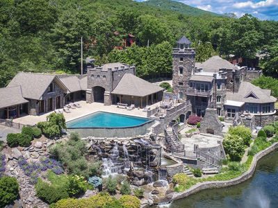 Derek Jeter Selling NY Castle For Nearly $15 Million, I Don't Have Time For It!
