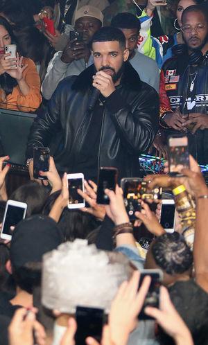 Drake in Papi Nightclub -- I'm Lovin' It!