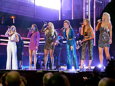 Check Out Carrie Underwood's Pregnancy Glow and All the Country Stars at CMT Artists of the Year
