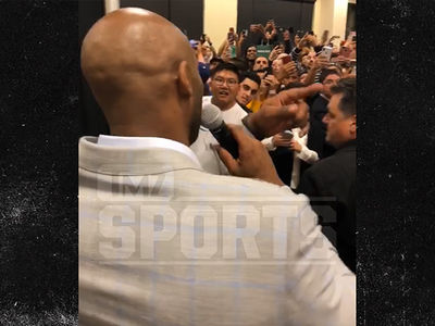 Kobe Bryant Saves the Day After Cops were Called to Book Signing