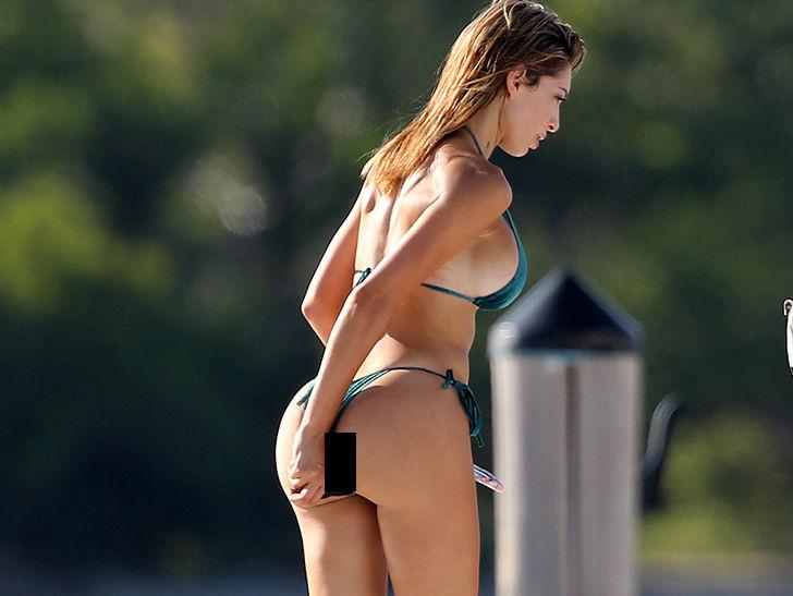 Farrah Abraham Picks Bikini Wedgie Aboard Yacht In Miami -4145