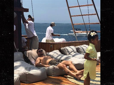 Scott Disick Goes on Bali Vacation with Kourtney Kardashian and Family