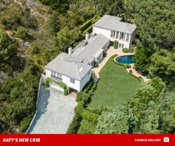 Katy Perry compra mansão de 7,5 milhões de dólares em Los Angeles para receber amigos e familiares