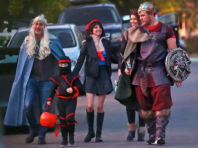 Chris Pratt, Anna Faris Double Date with Son and New Mates for Trick-or-Treating